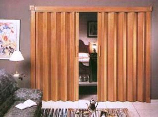 Novedosas puertas plegables cubrir espacio lima peru for Modelos de puertas para closet